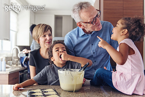 Grandparents cooking with kids - gettyimageskorea