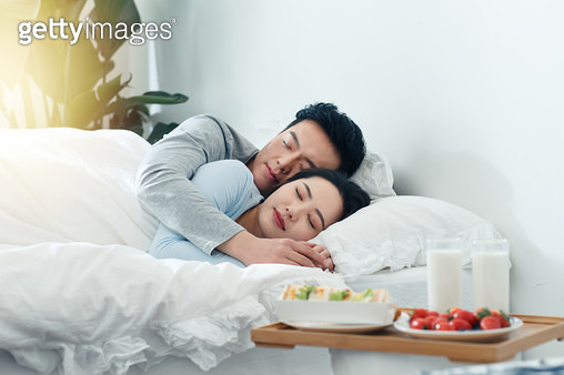 Young couples and breakfast - gettyimageskorea