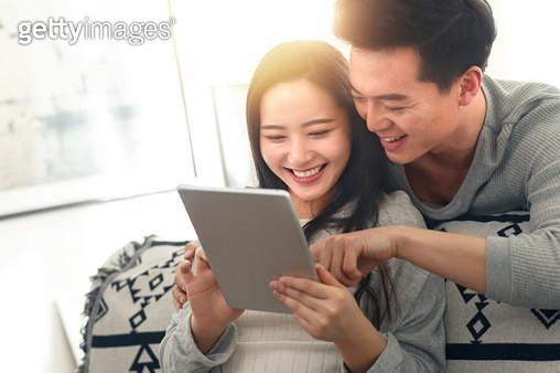 Romantic couples - gettyimageskorea
