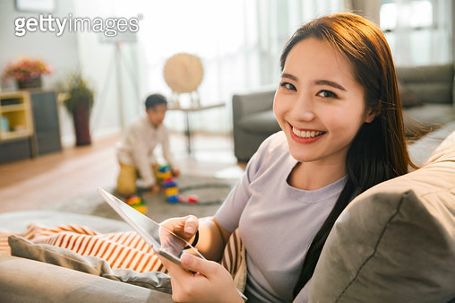 The mother and the boy in the living room - gettyimageskorea