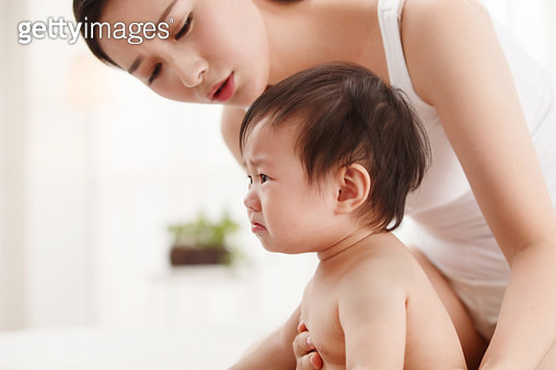Mother and baby - gettyimageskorea