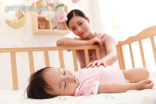 Mother got the baby to sleep - gettyimageskorea