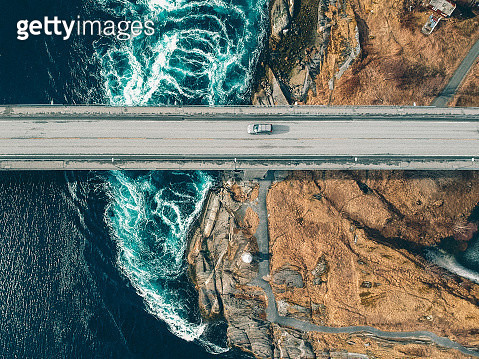 High Angle View Of Car On Bridge Over River - gettyimageskorea