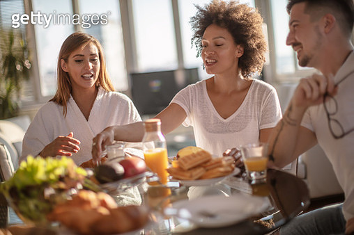 Group of multiethnic friends doing breakfast - gettyimageskorea