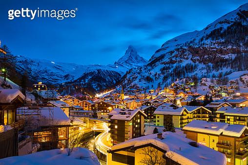 Zermatt town with Matterhorn peak in Mattertal, Switzerland, at dawn - gettyimageskorea