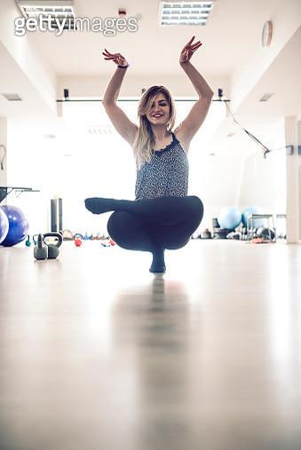 Yoga In The Gym - gettyimageskorea