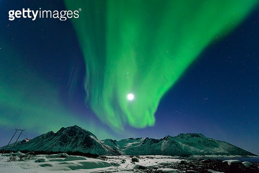 Aurora Borealis, Northern Lights or Polar light in the night sky over Northern Norway during winter - gettyimageskorea