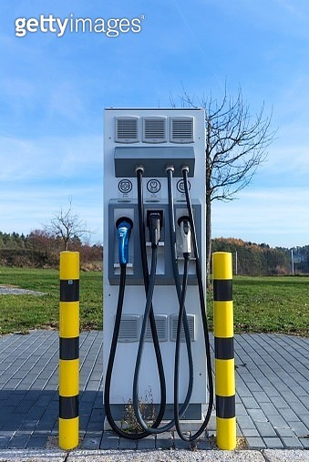 Electric filling station on a motorway rest area of the A9, Upper Franconia, Bavaria, Germany - gettyimageskorea