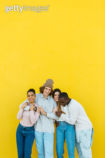 Portrait of multi-ethnic group of young people - gettyimageskorea