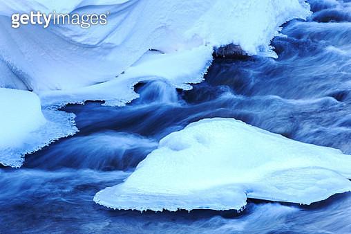 Flowing river in winter - gettyimageskorea