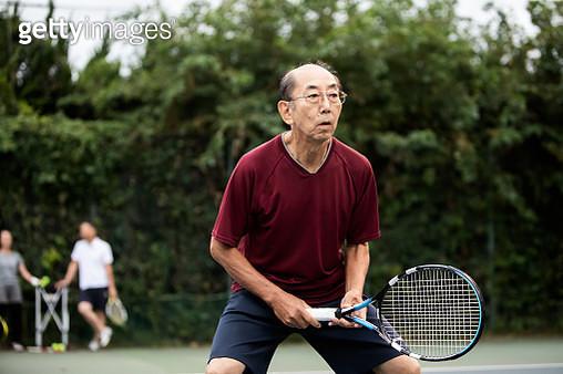 At daytime tennis courts. - gettyimageskorea