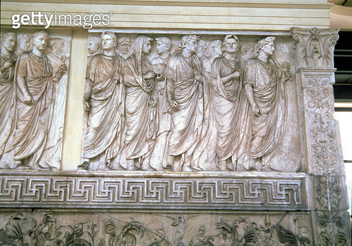 <b>Title</b> : The Inaugural Sacrificial Procession, relief frieze on the exterior of the north or south wall of the altar, 13-9 BC (carrara ma<br><b>Medium</b> : <br><b>Location</b> : Ara Pacis (Altar of Peace), Rome, Italy<br> - gettyimageskorea