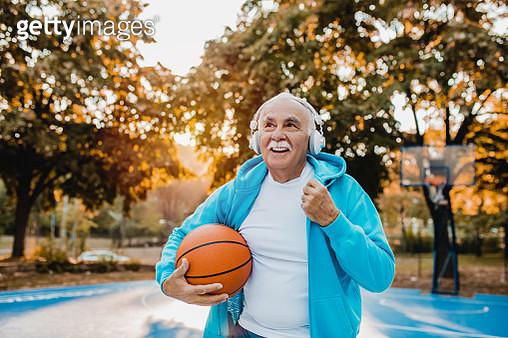 Active senior man play basketball - gettyimageskorea