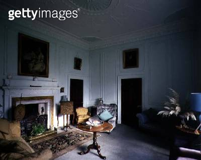 Drawing room with neo-classical frieze of musical instruments/ Belle Isle/ Windermere/ Cumbria (photo) - gettyimageskorea