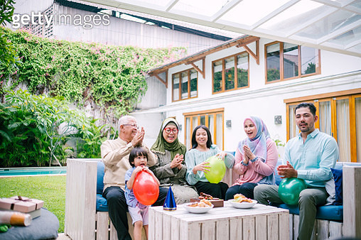 Happy Asian Family Celebrating Birthday Together - gettyimageskorea
