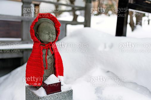 Ojizosama statue in the snow - gettyimageskorea