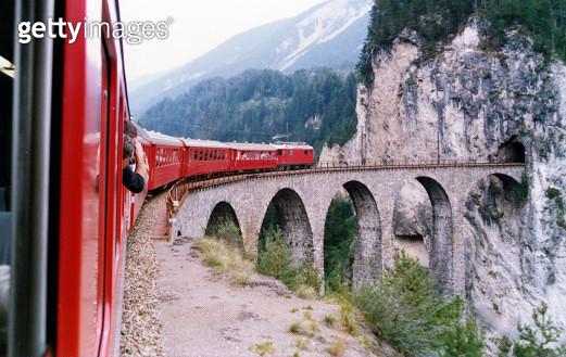 Landwasser Viaduct - gettyimageskorea