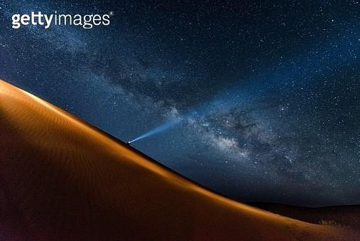 Milck Way In The Sahara Desert - gettyimageskorea