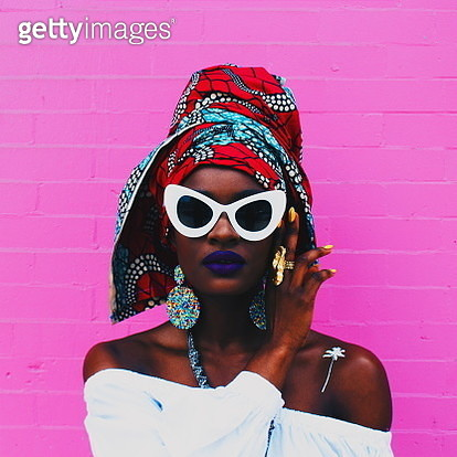 Close-Up Of Woman Wearing Sunglasses - gettyimageskorea