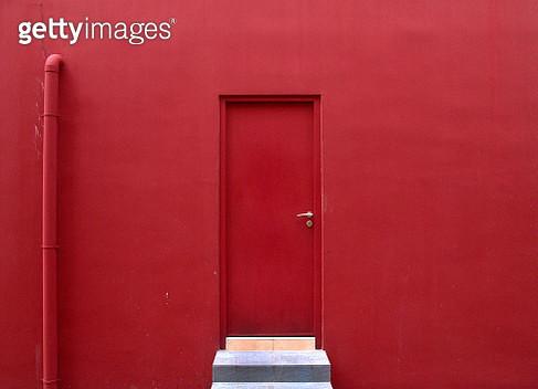 Full Frame Shot Of Closed Door - gettyimageskorea