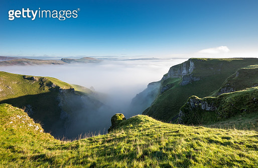 Dramatic morning scene in the Peak District - gettyimageskorea