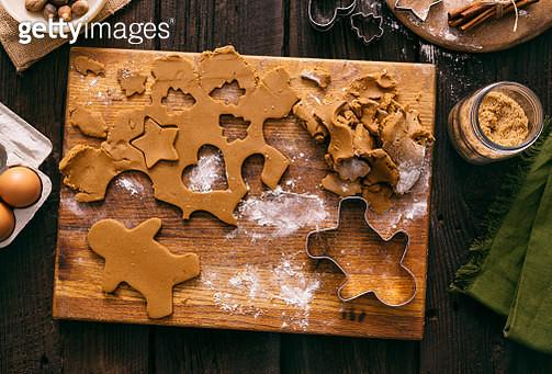 Christmas Gingerbread Man Cookies Holiday Baking Dough - gettyimageskorea
