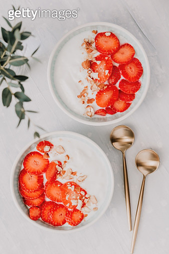 Close-Up Of Breakfast In Bowls On Table - gettyimageskorea