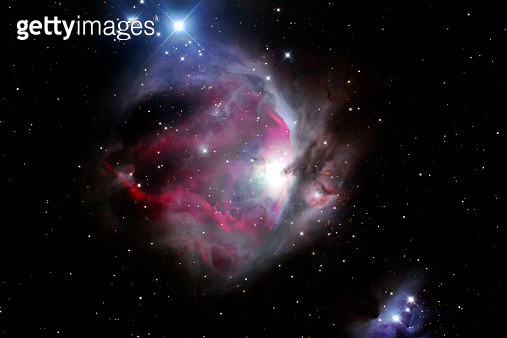 1500 light years away, the Orion Nebula is the middle star in the handle of the pot in the constellation of Orion. It is the birthplace of many new stars. - gettyimageskorea