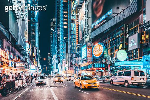 42nd Street at Night, Manhattan, New York - gettyimageskorea