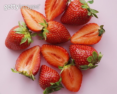 Full Frame Shot Of Strawberries Over Pink Background - gettyimageskorea