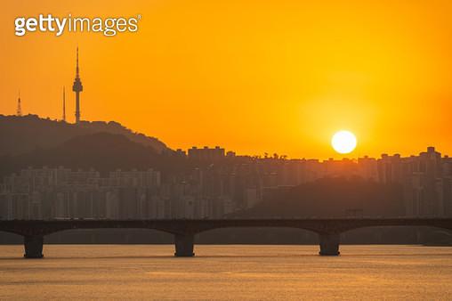 성수대교와 일몰풍경, 서울시 - gettyimageskorea