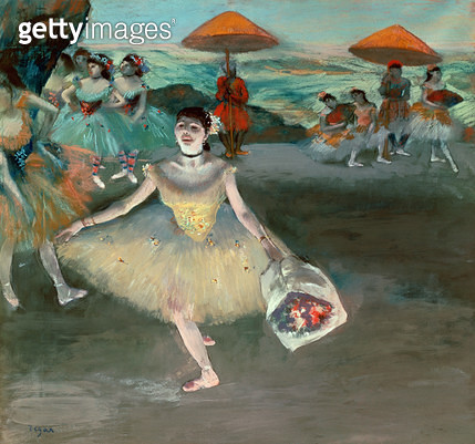 <b>Title</b> : Dancer with bouquet, curtseying, 1877 (pastel on paper)<br><b>Medium</b> : pastel on paper<br><b>Location</b> : Musee d'Orsay, Paris, France<br> - gettyimageskorea