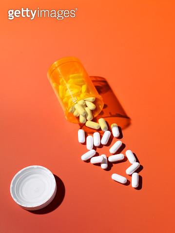 spilt pills - gettyimageskorea