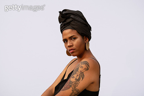 Portrait of an African American woman with turban - gettyimageskorea