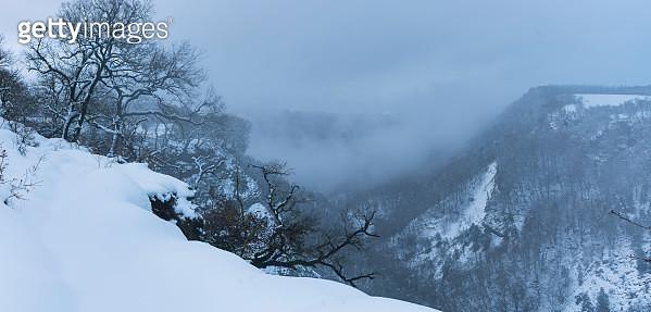Gujuli Waterfall, Gorbeia Natural Park, Urcabustaiz, Alava, Basque Country, Spain, Europe - gettyimageskorea