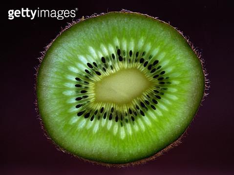 slice off kiwi - gettyimageskorea