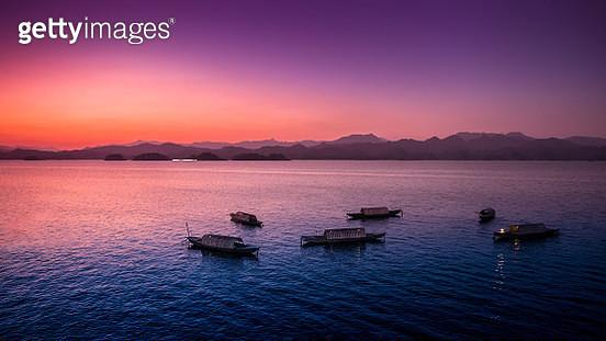 Qiandao Lake at dusk - gettyimageskorea