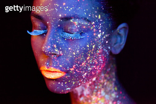 uv painted model - gettyimageskorea