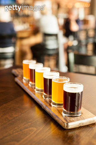 'A flight of freshly brewed beers is ready to be served at a restaurant and brewery in Leesburg, Virginia.' - gettyimageskorea