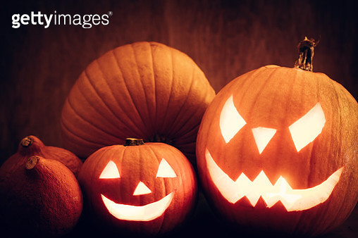 Halloween pumpkins glowing, jack-o-lantern - gettyimageskorea