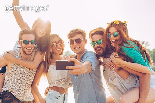 Beach selfie - gettyimageskorea