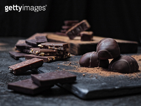 Chocolate over black - gettyimageskorea