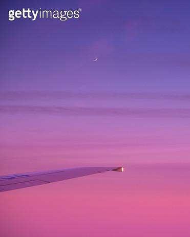 비행기 창 밖 모습 - gettyimageskorea