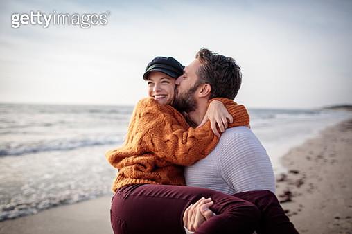 Happy Couple - gettyimageskorea