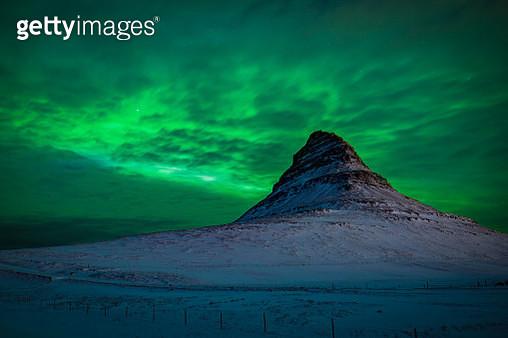 Kirjufel with aurora borealis - gettyimageskorea