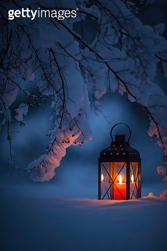 Candle lantern in the snow - gettyimageskorea