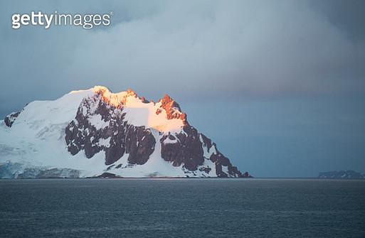 Sunset in Antarctica - gettyimageskorea
