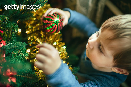 Happy child and mother preparing for Xmas - gettyimageskorea
