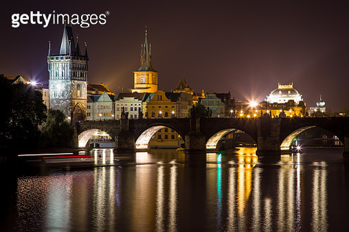 Charles Bridge At Night Prague - gettyimageskorea