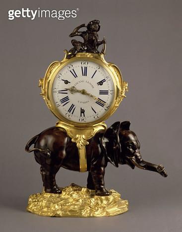 <b>Title</b> : Louis XV Mantel Clock, c.1750 (ebony and ormolu) (see also 73487)<br><b>Medium</b> : ebony and ormolu<br><b>Location</b> : Private Collection<br> - gettyimageskorea